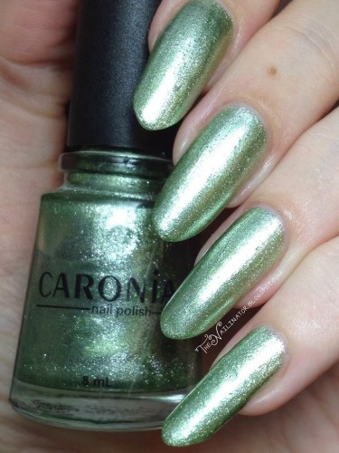 Caronia Lounge swatch