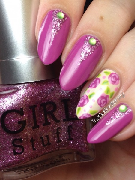 Girlstuff Wild Berries with Floral Accent Nail