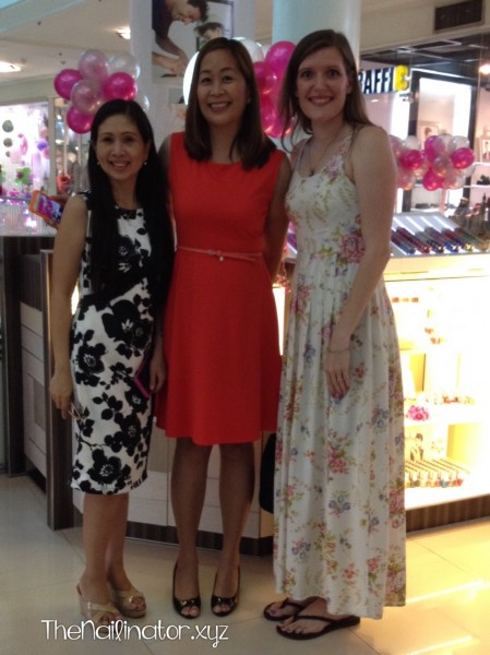 Ging, Janina, and I in front of Girlstuff Forever Ayala Cebu