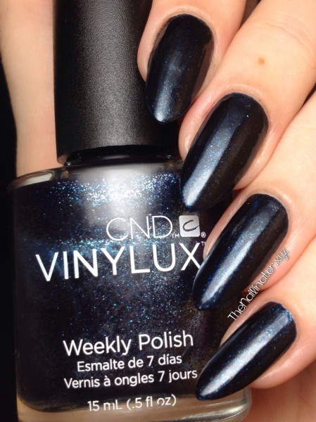 CND Vinylux Weekly Polish Midnight Swim swatch