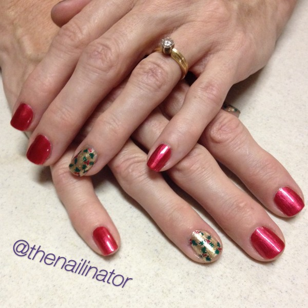 Holly Accent Nail